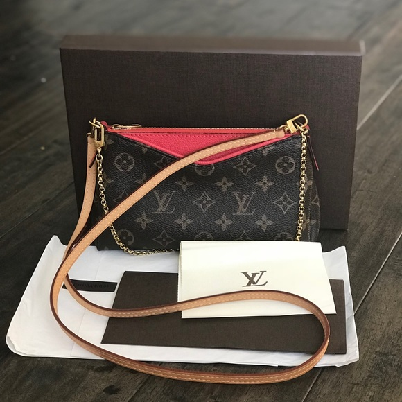 a76b520c12df Louis Vuitton Handbags - 💯 Auth 2016 Louis Vuitton Pallas Clutch Poppy